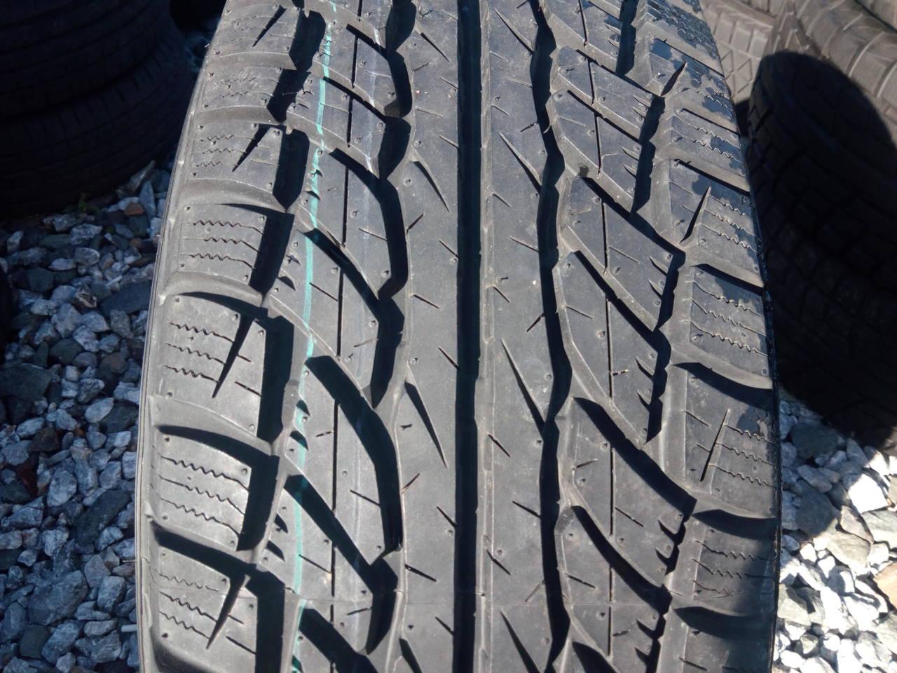 Резина Dunlop GrandTrek ST1