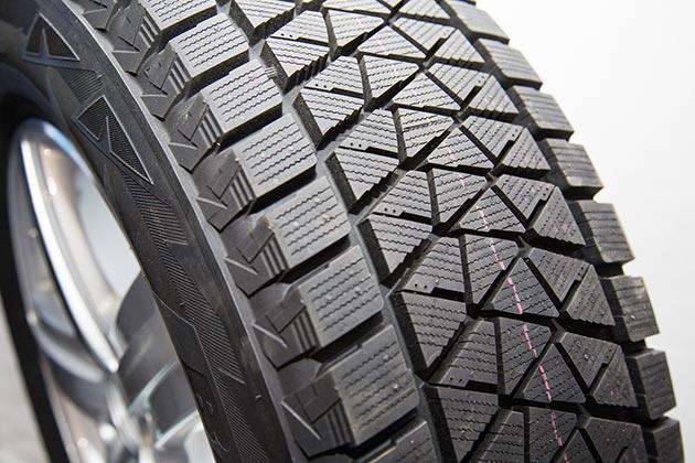 Резина Bridgestone Blizzak dm v1