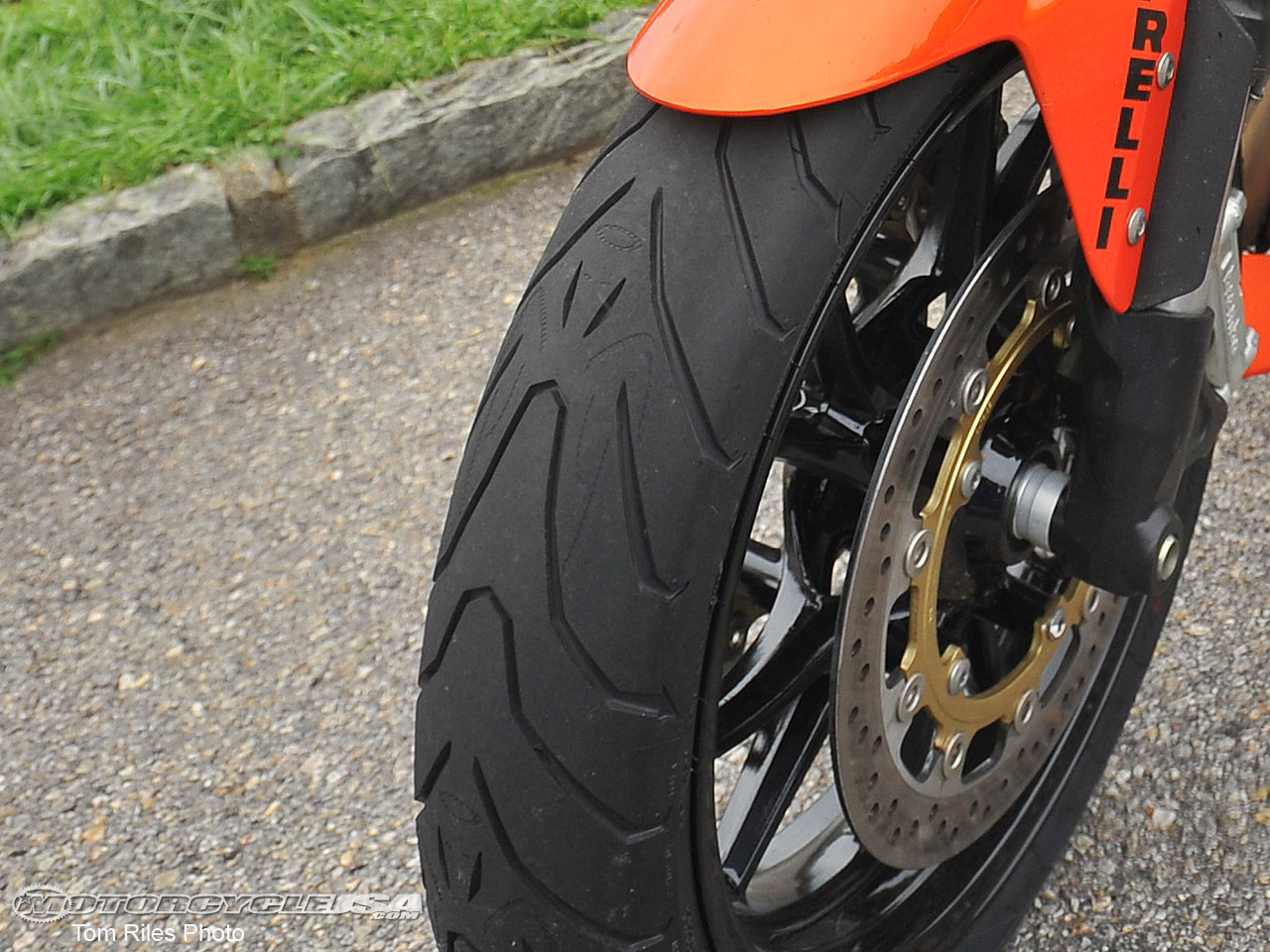 Резина Pirelli Angel ST