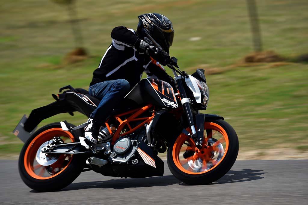 Резина Dunlop Sportmax Roadsmart 2