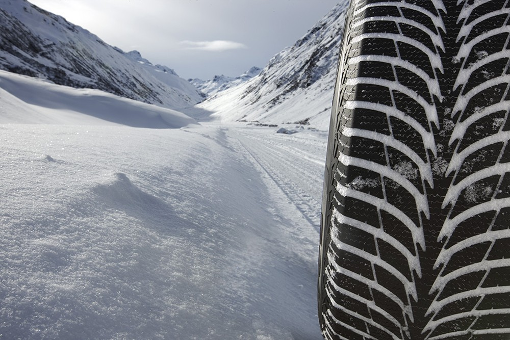 Зимняя шина Goodyear UltraGrip Ice+